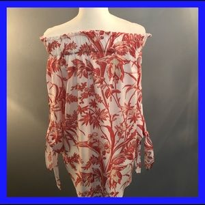 H&M  off the shoulder,. Cream-red blouse. Size 6.